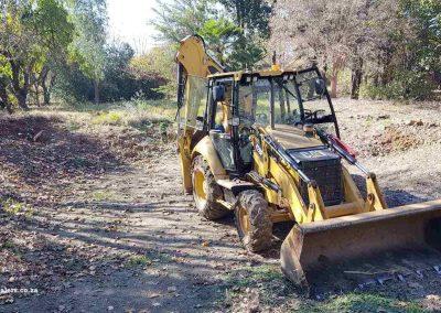 Dam Sealers - Diggers At Work